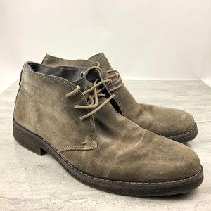 1901 Suede Chukka Boots